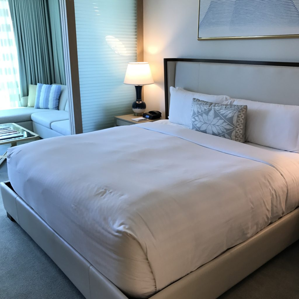 リッツカールトンワイキキ ベッド