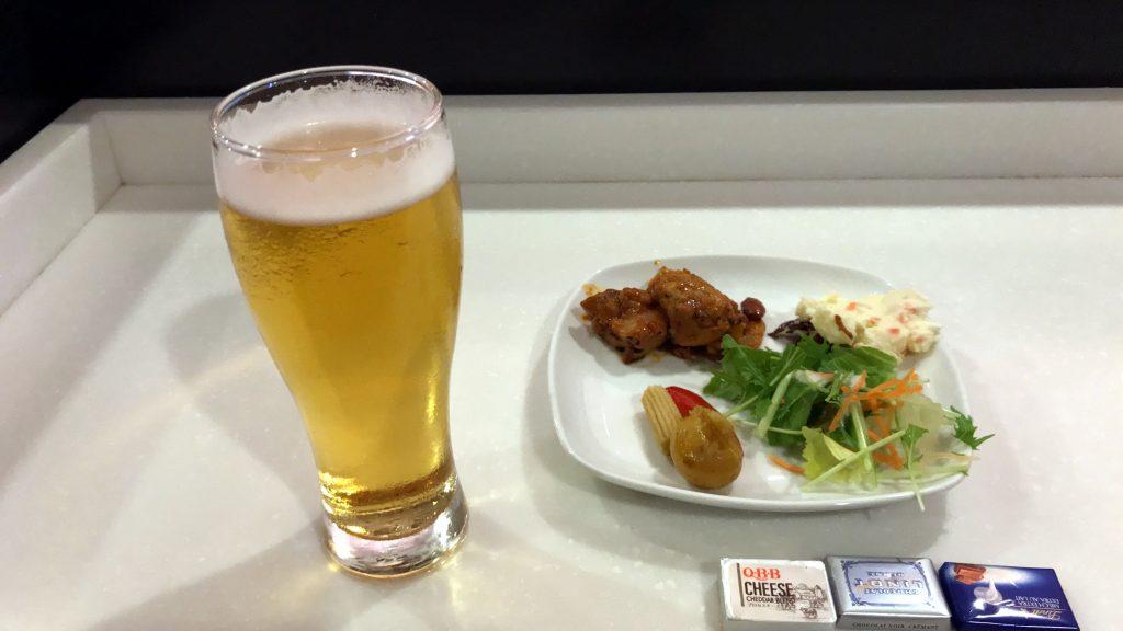 羽田空港 国際線ターミナル ANAラウンジ 食事と飲み物