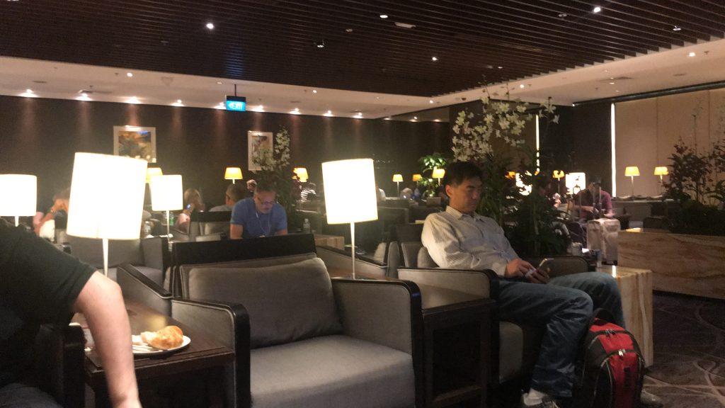 シンガポールのチャンギ国際空港 シルバークリス・ラウンジ ソファ席