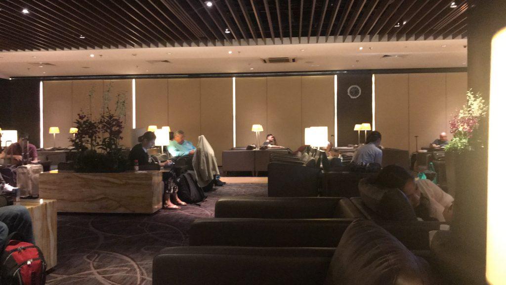 シンガポールのチャンギ国際空港 シルバークリス・ラウンジ 席