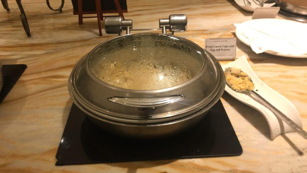 シンガポールのチャンギ国際空港 シルバークリス・ラウンジ 料理1