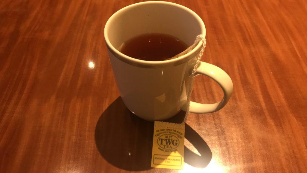 シンガポールのチャンギ国際空港 シルバークリス・ラウンジ 紅茶