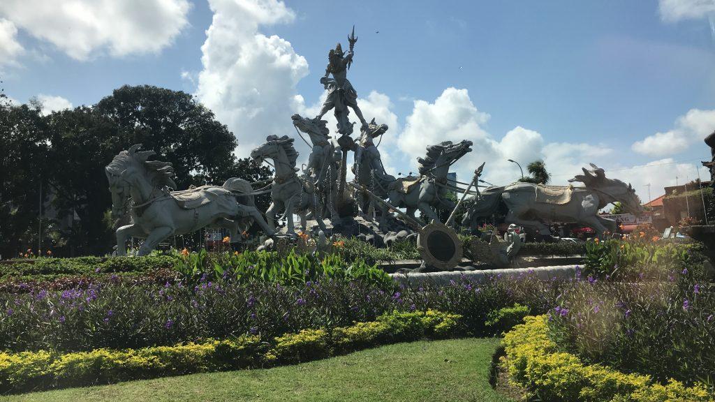 バリ島の空港からリンバ ジンバランバリ by アヤナへの道のり2
